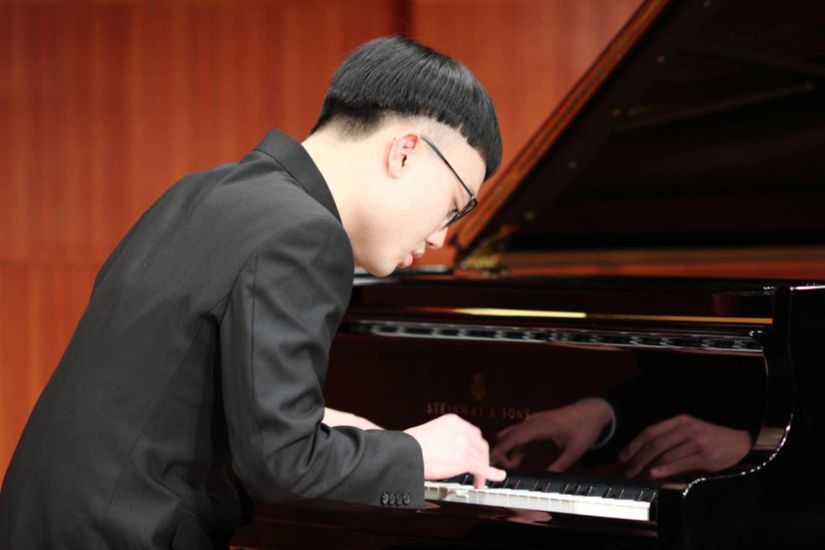 8小时不间断钢琴接力直播,这群少年为自闭症而战!